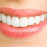 Tips Merawat Gigi Palsu Agar Tahan Lama