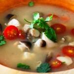 Resep dan Cara Membuat Sup Ayam Asam Pedas Ala Thailand