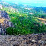 Tempat Wisata Di Jogja Yang Asik Untuk Foto Selfie: Gunung Api Purba Nglanggeran Dengan Gugusan Batu Kokohnya