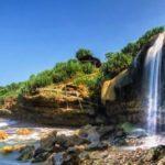 Tempat Wisata di Jogja yang Asik untuk Selfie: Pantai Jogan Yogyakarta dengan Air Terjun Indahnya
