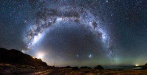 Berita Terkini : 5 Fenomena Langit Bulan November Akan Terjadi Mulai Malam ini, Mars di samping bulan, Hujan Meteor Taurid