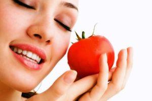 Cara Cepat Putihkan Kulit Dengan Tomat