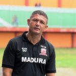 Piala Presiden 2017 : Laga Hidup Mati MU vs Perseru Serui Malam Ini Live on SCTV di Stadion Gelora Ratu Pamelingan Kab. Pamekasan, Madura (14/02/17)
