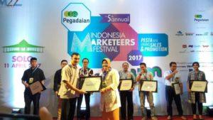 The 5th Annual Indonesia Marketeers Festival (IMF) 2017: Pemkab Sragen Mendapat Penghargaan Bergengsi Wow to Win, Cara Jitu  Sales & Promotion di The Sunan Hotel Solo (11/4/17)