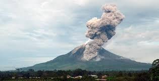 Berita Gunung Sinabung 20 Kali Erupsi Okezone